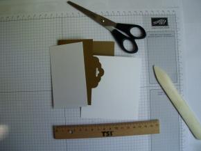 6. Deko.papier zuschneiden.